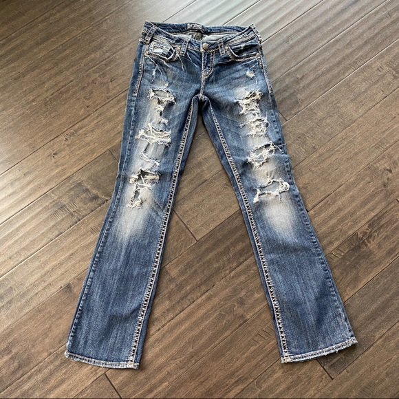 SILVER AIKO Mid Boot Jeans Size 27x33 Destroyed